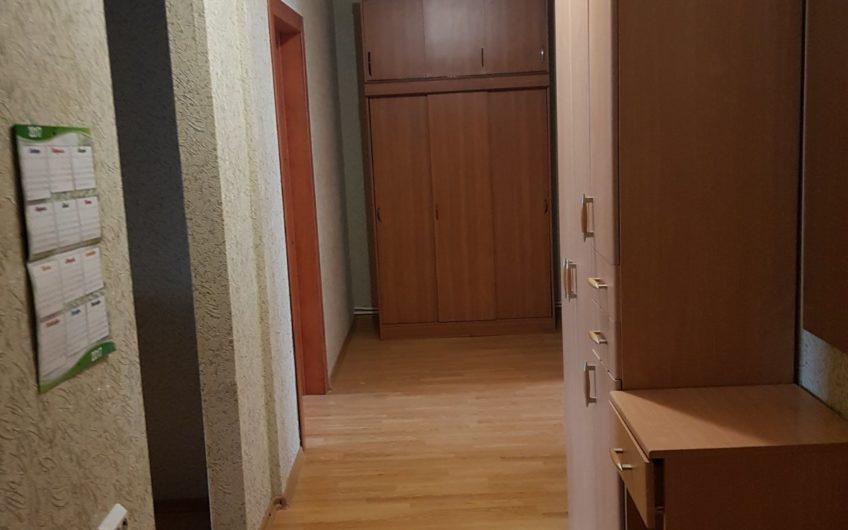 Продам 2 ком. квартиру по ул. Есенина 52
